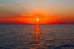 Заход солнца моря над морем Японии Небо захода солнца стоковое фото