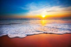 заход солнца моря панорамы ландшафта 3d Стоковое Изображение RF