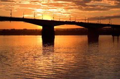 заход солнца моста Стоковое Изображение