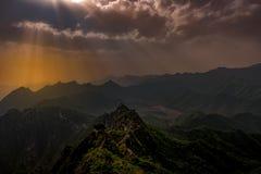 Заход солнца над Великой Китайской Стеной стоковые фотографии rf