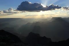Заход солнца над грандиозным каньоном Стоковое Фото