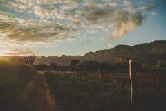 Заход солнца над долиной viñales vinales Кубы Стоковое Изображение RF