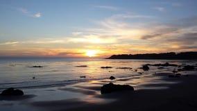 Заход солнца над заливом San Simeon стоковое фото