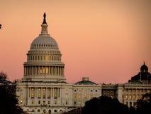Заход солнца над конгрессом США в Вашингтоне d C Стоковые Изображения RF