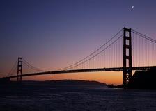 Заход солнца над мостом золотистого строба Стоковая Фотография RF