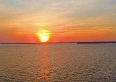 Заход солнца над мостом стоковое фото rf