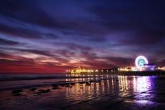 Заход солнца над пристанью Санта-Моника стоковое фото rf