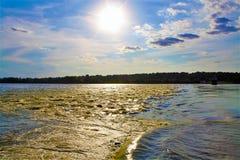 Заход солнца над рекой Миссиссипи стоковое фото rf