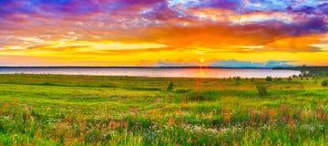 Заход солнца над рекой Kama панорама Стоковая Фотография