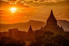 Заход солнца над Bagan стоковые фото