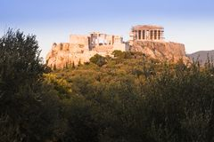 Заход солнца на акрополе в Афинах, Греции Стоковые Фотографии RF