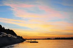 Заход солнца на Дуна стоковая фотография