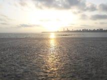 Заход солнца на морском приводе | Mumbai_India стоковые фотографии rf