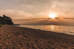 Заход солнца на озере Танганьике Танзании стоковое изображение rf