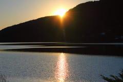 Заход солнца на озере gerardmer в Франции стоковое изображение rf