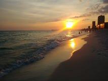 Заход солнца на океане стоковые изображения rf