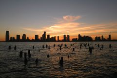 Заход солнца на парке Гудзона в Tribeca NY Стоковые Фотографии RF