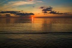 Заход солнца на пляже в Hunstanton, Норфолке, Великобритании стоковые изображения rf