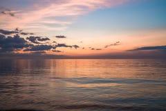 Заход солнца на пляже в Hunstanton, Норфолке, Великобритании стоковое изображение