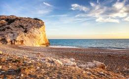 Заход солнца на пляже, Средиземном море, Кипре, пляже  Стоковое Изображение