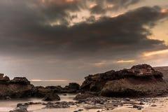Заход солнца на пляже Фуэртевентуры Стоковое Фото