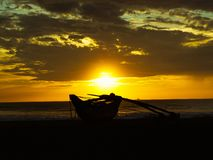 Заход солнца на пляже Шри-Ланка стоковое фото rf