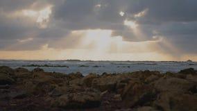 Заход солнца на пляже акции видеоматериалы