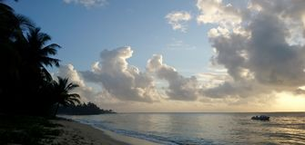 Заход солнца на пляже Serena Стоковая Фотография