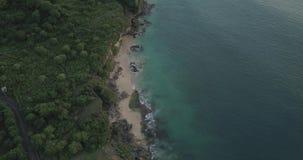 Заход солнца на пляже Tegalwangi, Бали акции видеоматериалы