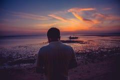 Заход солнца на пляжном комплексе Lakawon, Кадис, жителе Запада Negros, Phlipp стоковое изображение