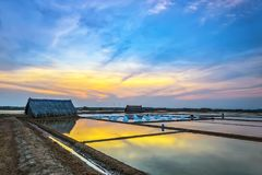 Заход солнца на полях соли Стоковое Изображение