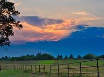Заход солнца на ранчо таза отголоска стоковое изображение