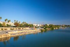 Заход солнца на реке Гвадалквивира Севилья, Испания Стоковое Изображение RF