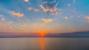 Заход солнца на Чёрном море, промежуток времени 4K видеоматериал