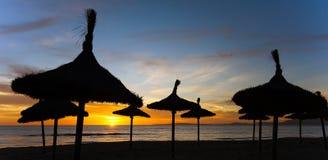 Заход солнца на Balneario Arenal Мальорка стоковые фото