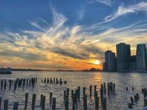 Заход солнца на Dumbo Brooklyn Park стоковые фото