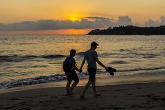 Заход солнца на Puerto de Escandido, Oacxaca, Мексике Стоковые Изображения