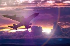 заход солнца неба облака цветастый драматический Небо с backgrou солнца Стоковые Фотографии RF