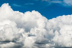 заход солнца неба облака цветастый драматический заход солнца неба облака цветастый драматический Стоковая Фотография