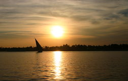 заход солнца Нила felucca Египета Стоковое Фото
