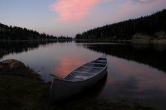 заход солнца озера зарева Стоковые Изображения