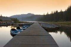 заход солнца озера стоковое изображение