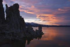 заход солнца озера mono Стоковое фото RF