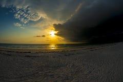 Заход солнца океана с штормом Стоковые Изображения RF