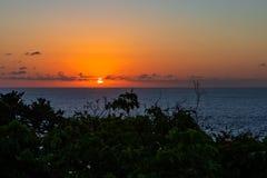 Заход солнца океаном в Бали стоковое фото