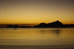 Заход солнца от пляжа El Nido, Филиппиныы стоковые фотографии rf