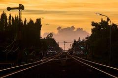 Заход солнца от середины железной дороги Стоковые Изображения RF