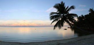заход солнца очищенности пляжа Стоковое Изображение RF