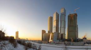 заход солнца панорамы moscow делового центра Стоковая Фотография