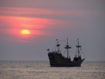 заход солнца пирата s Стоковая Фотография